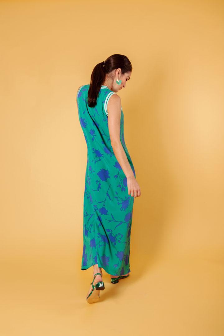 Vestido verde de crepé sin mangas