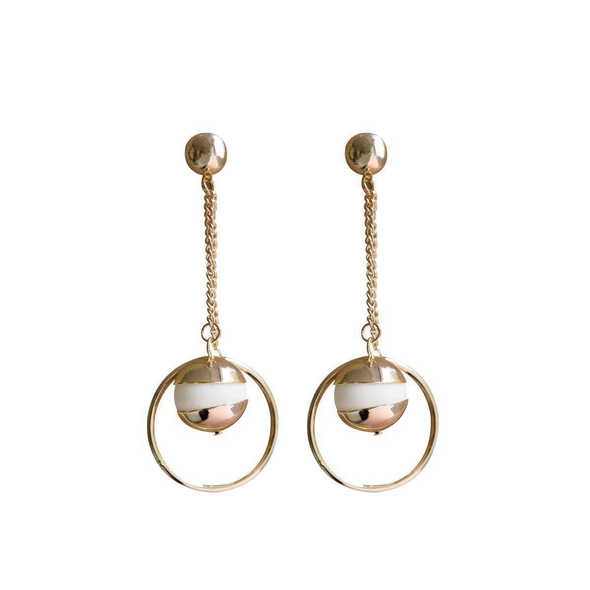 Teria Yabar - Pendientes dorados con perla blanca de resina