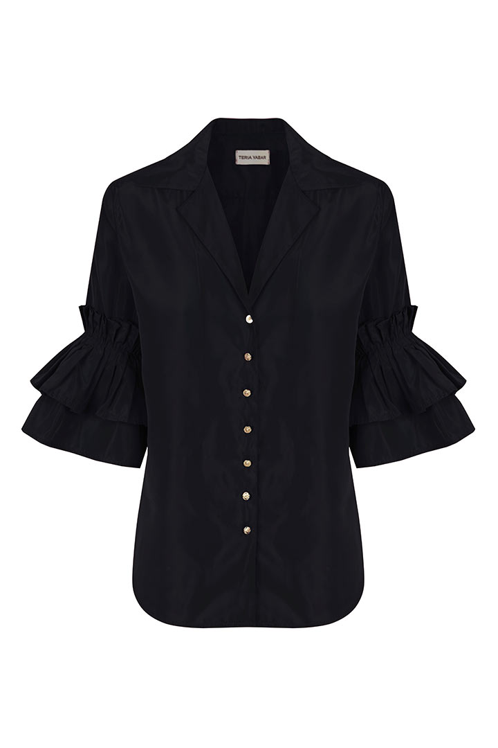 Camisa negra mangas con volantes