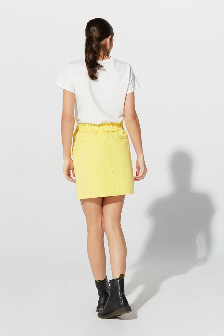 Falda vaquera amarilla