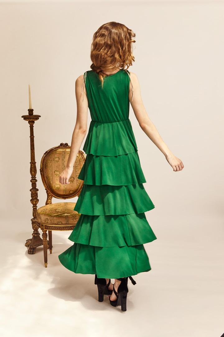 Vestido verde cascada