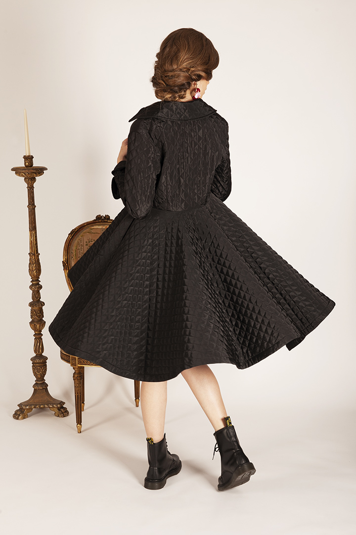Abrigo-vestido guateado negro