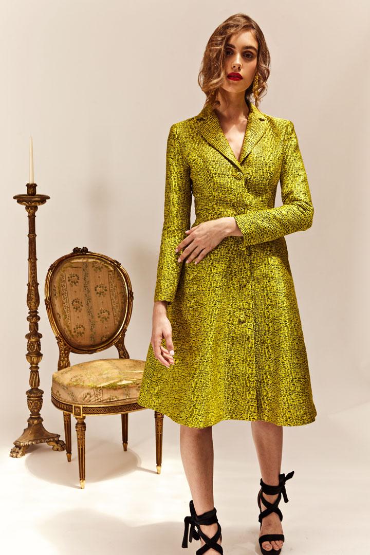 Vestido abrigo amarillo brocado