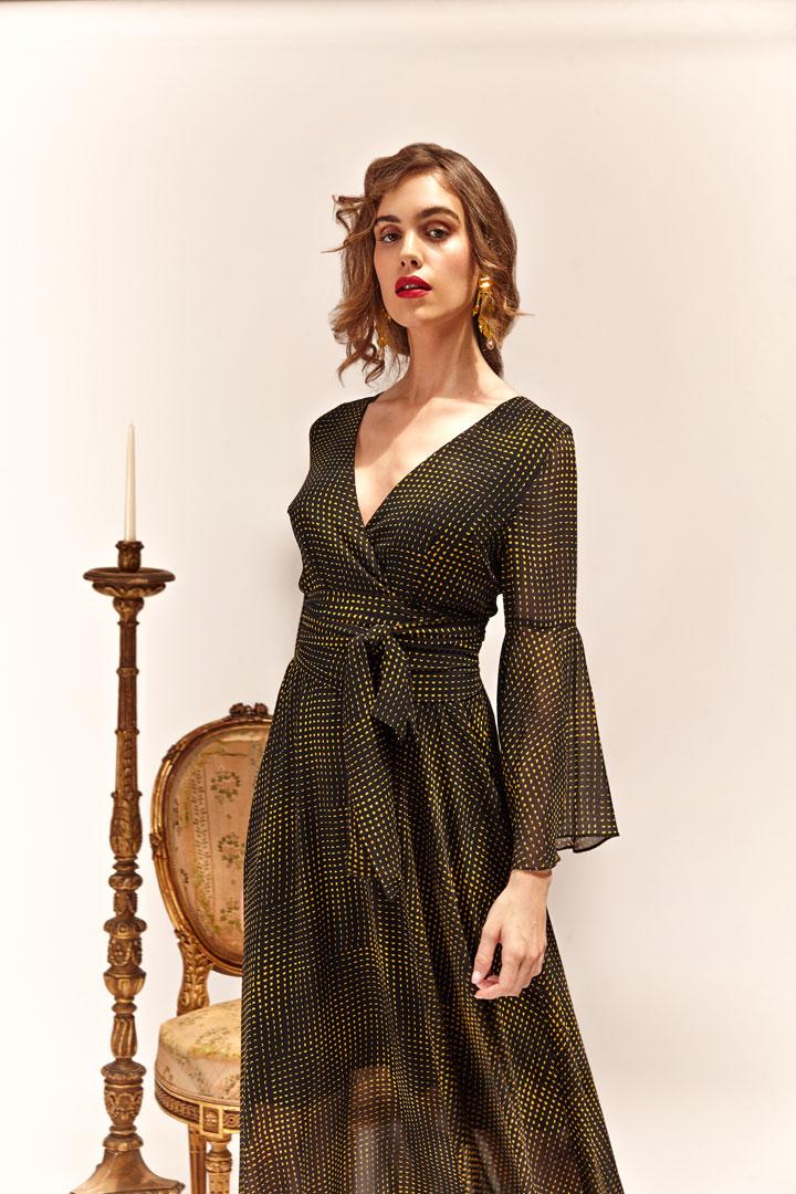 Vestido negro romántico
