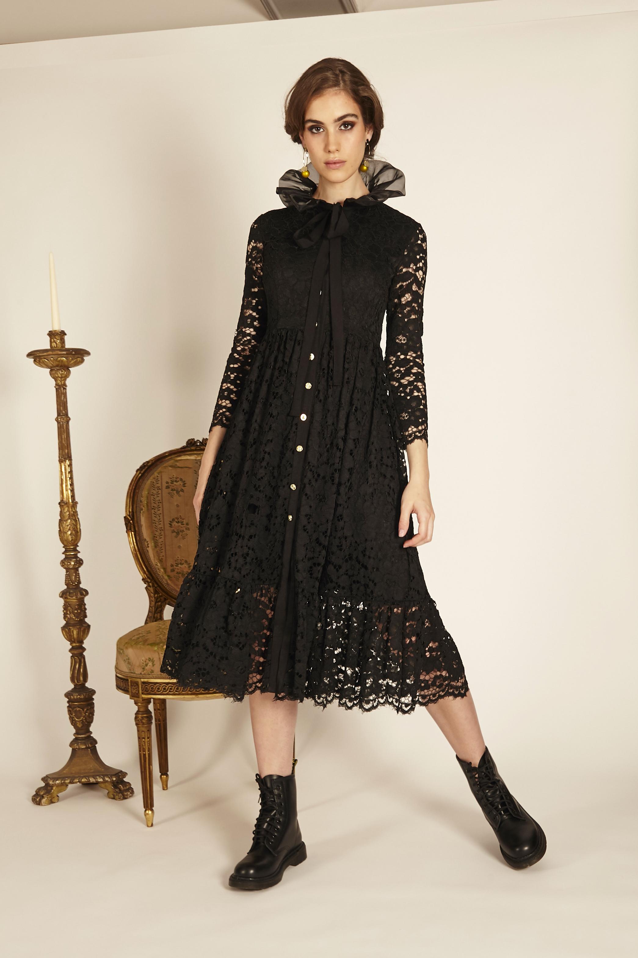 Vestido negro encaje y organza