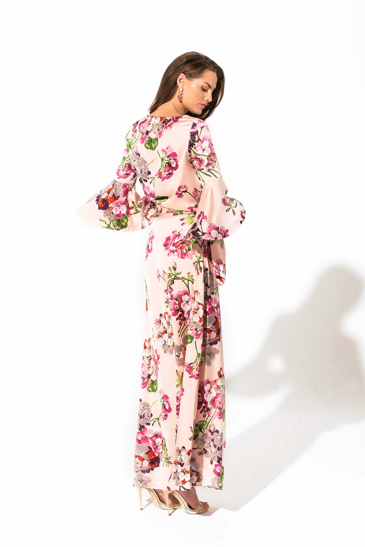 Falda rosa larga de flores