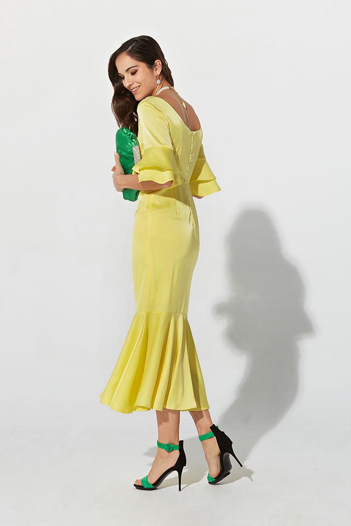 Vestido de satén amarillo