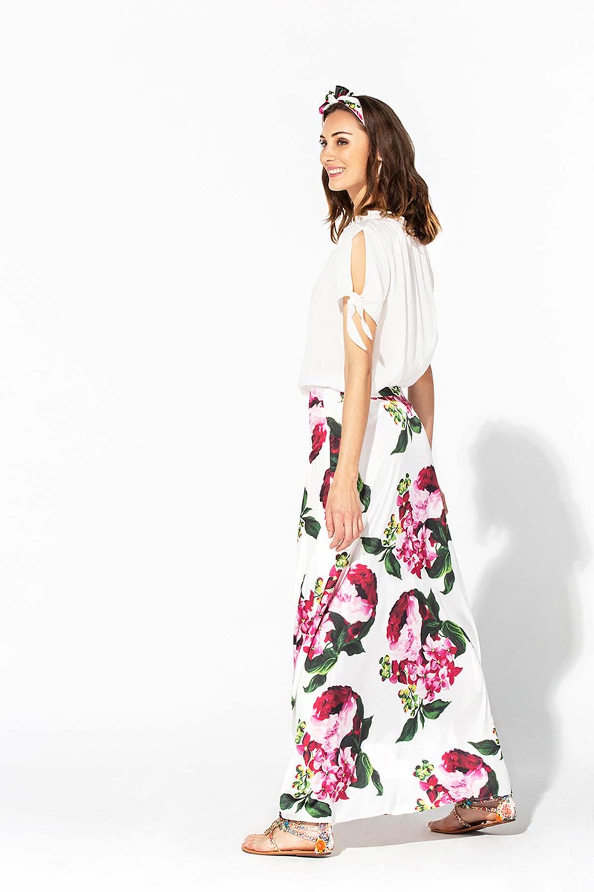 Falda larga blanca de flores