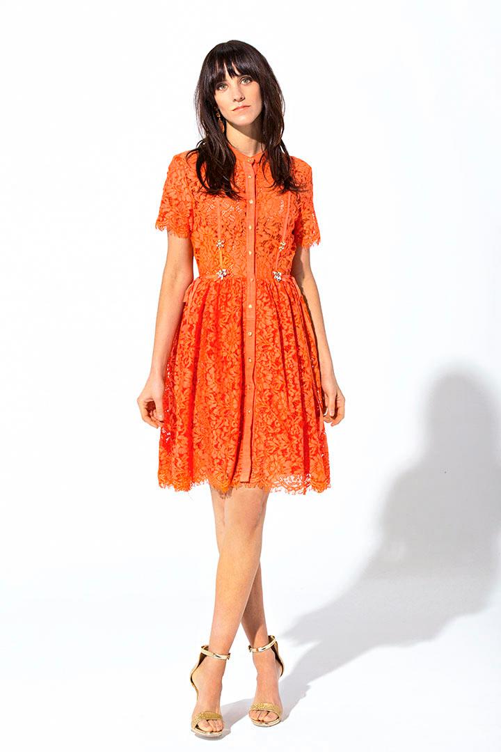 Vestido corto de encaje
