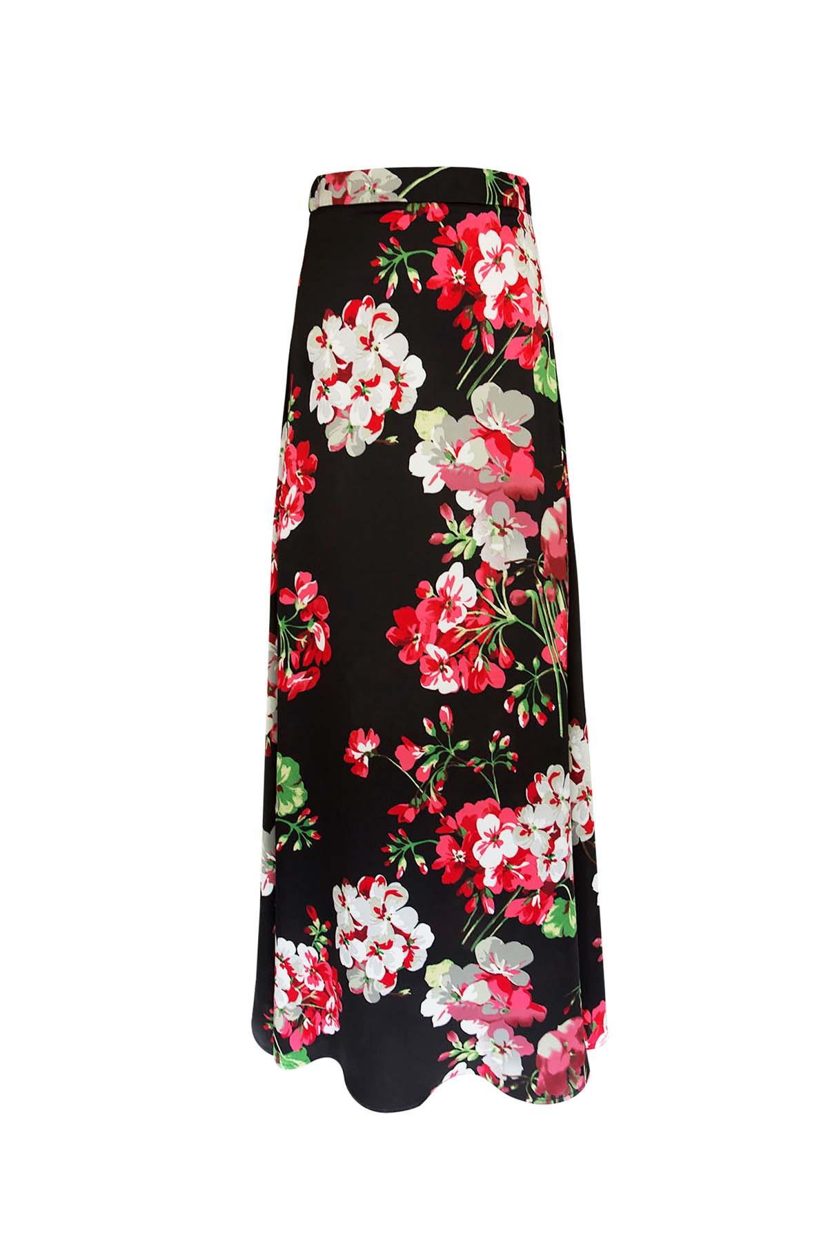 Teria Yabar - Falda negra de flores