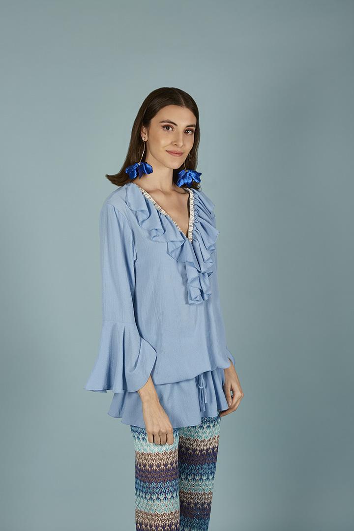 Vestido túnica azul con volantes