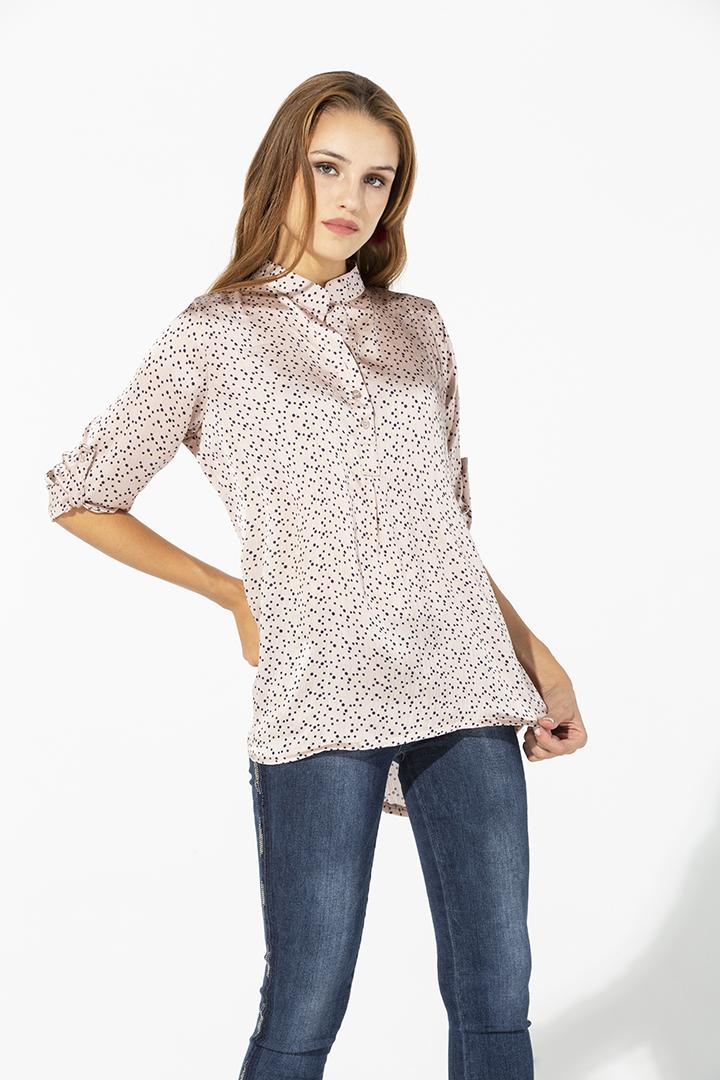 Camisa rosa de puntos