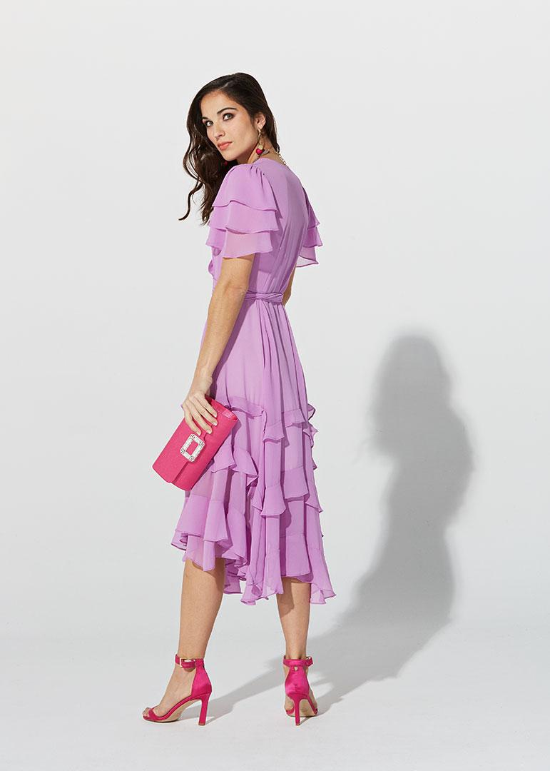 Vestido de gasa y volantes lila