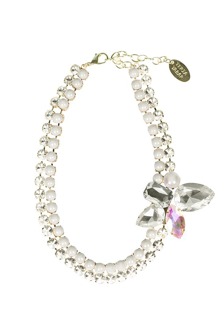 Teria Yabar - Collar blanco de cristales