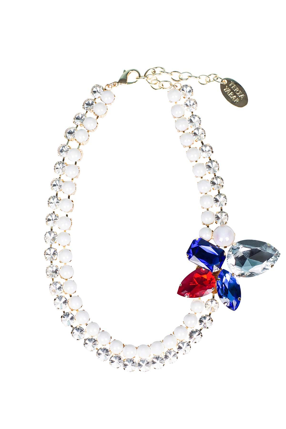 Teria Yabar - Collar corto de bolas de resina y cristal