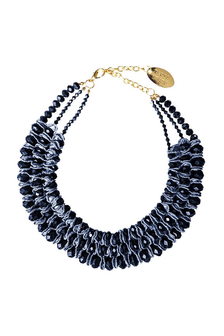Collar navy trenzado con gemas