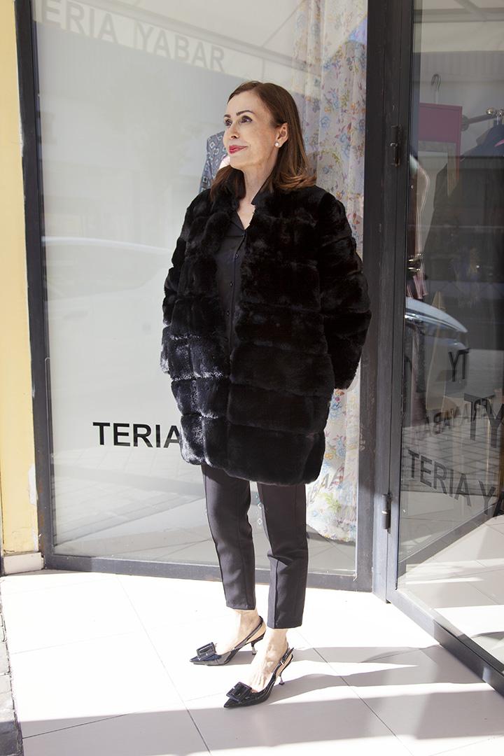 Chaquetón Furry Negro Teria Yabar