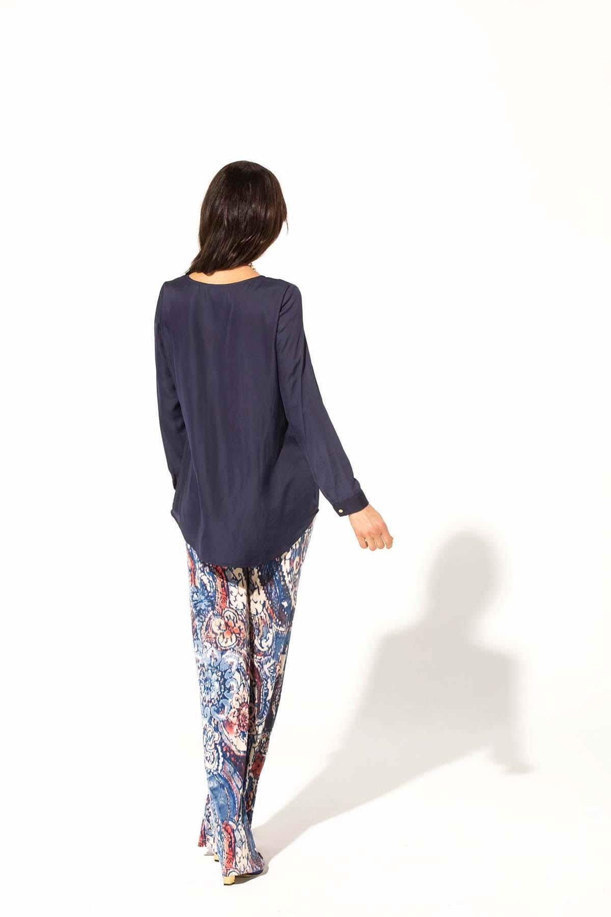 Blusa básica y multiusos Teria Yabar - Blusa básica y multiusos