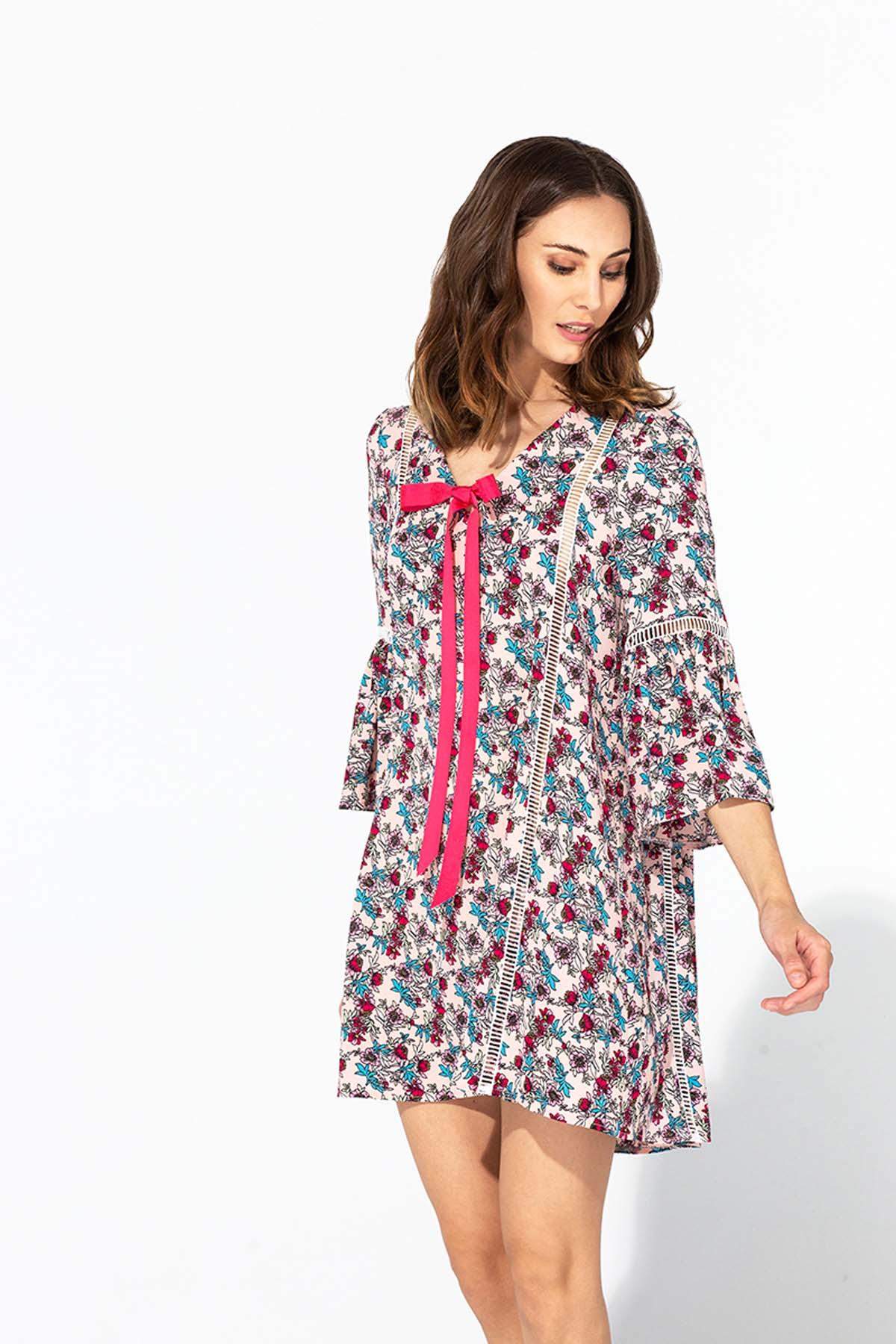 Vestido de flores con crochet
