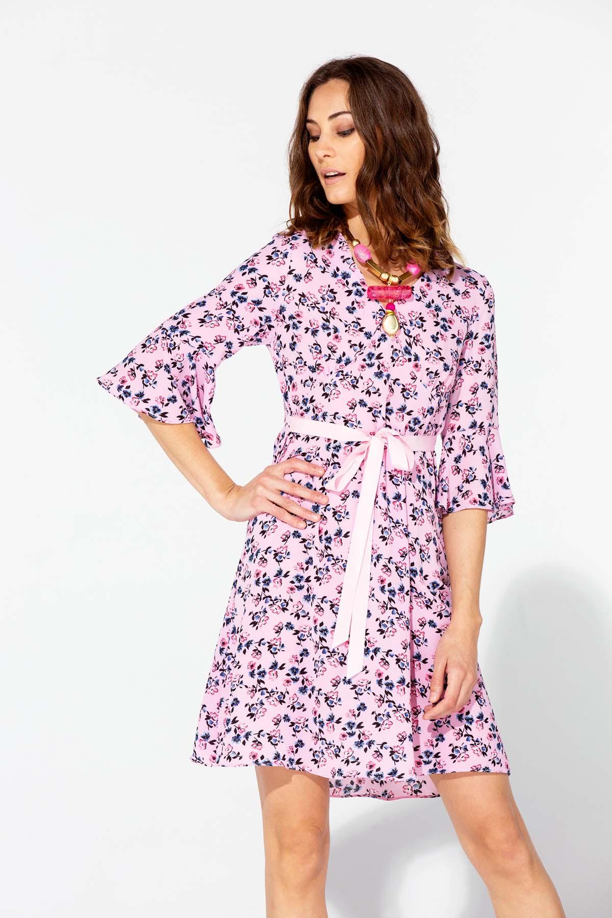 Vestido rosa de manga francesa