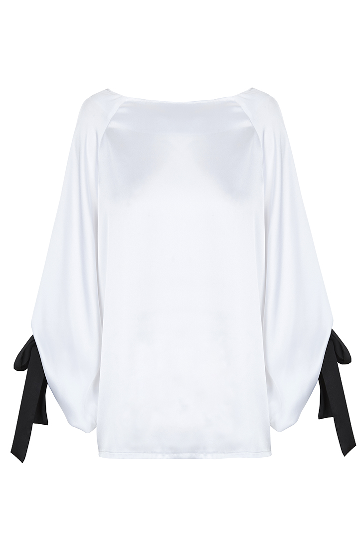 Teria Yabar - Blusa blanca con lazos