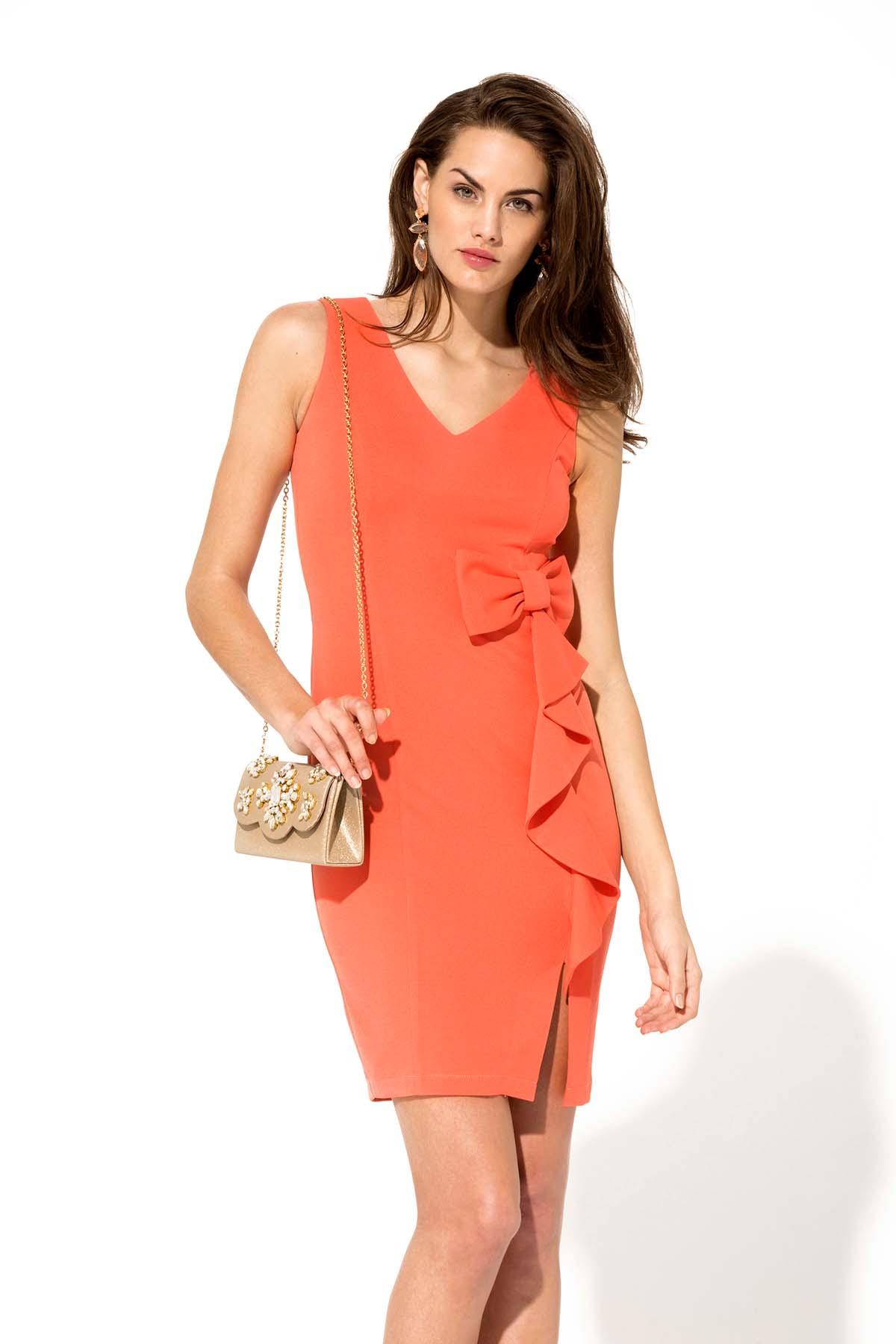 Vestido ajustado de color salmón