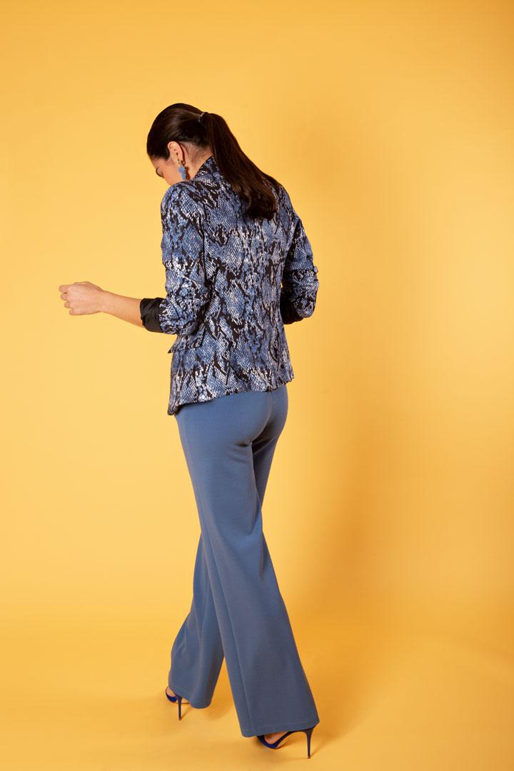 Pantalón azul de talle alto