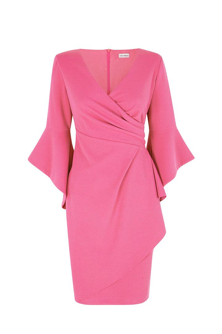 Vestido rosa de mangas con volantes