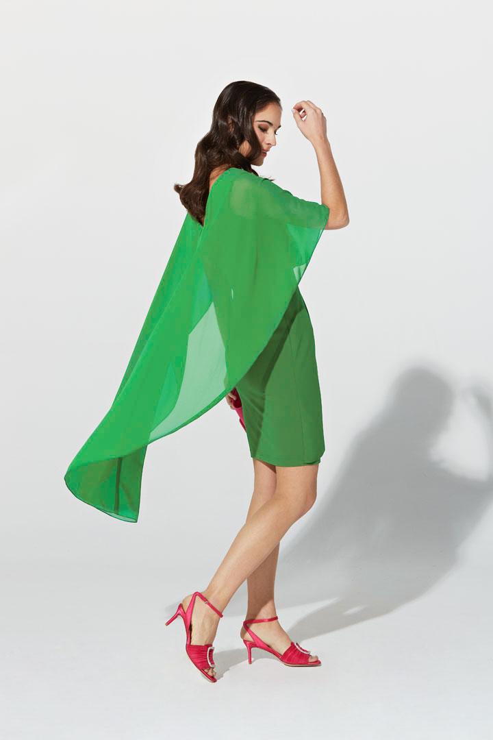 Vestido verde capa