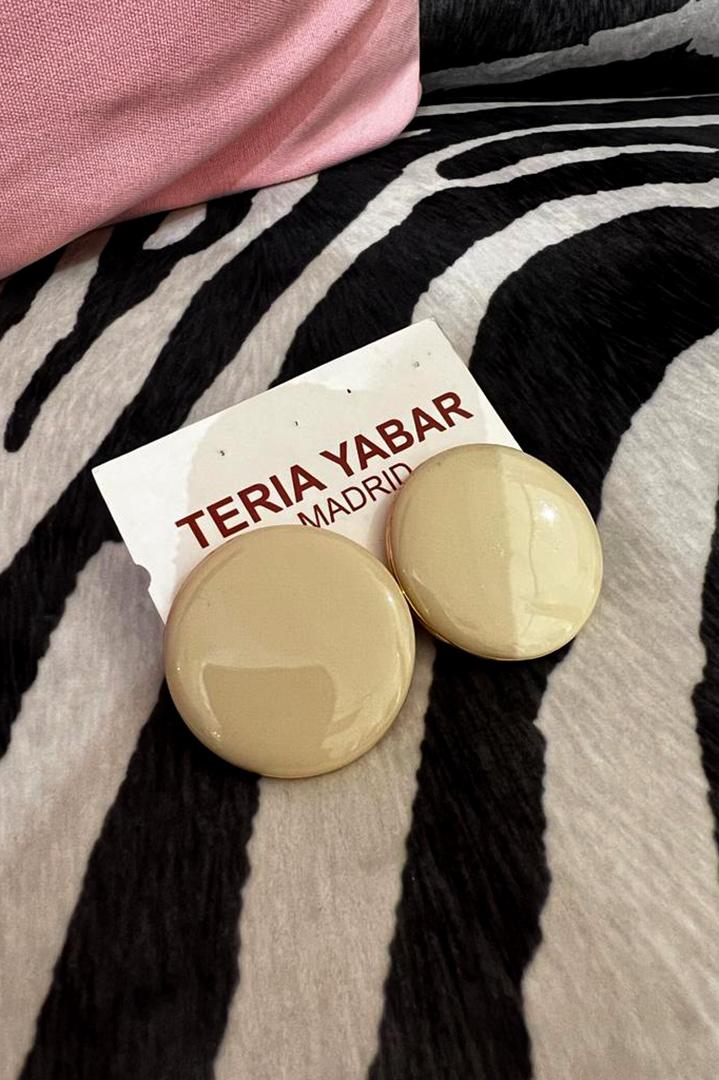 Pendientes Botón Crema Teria Yabar